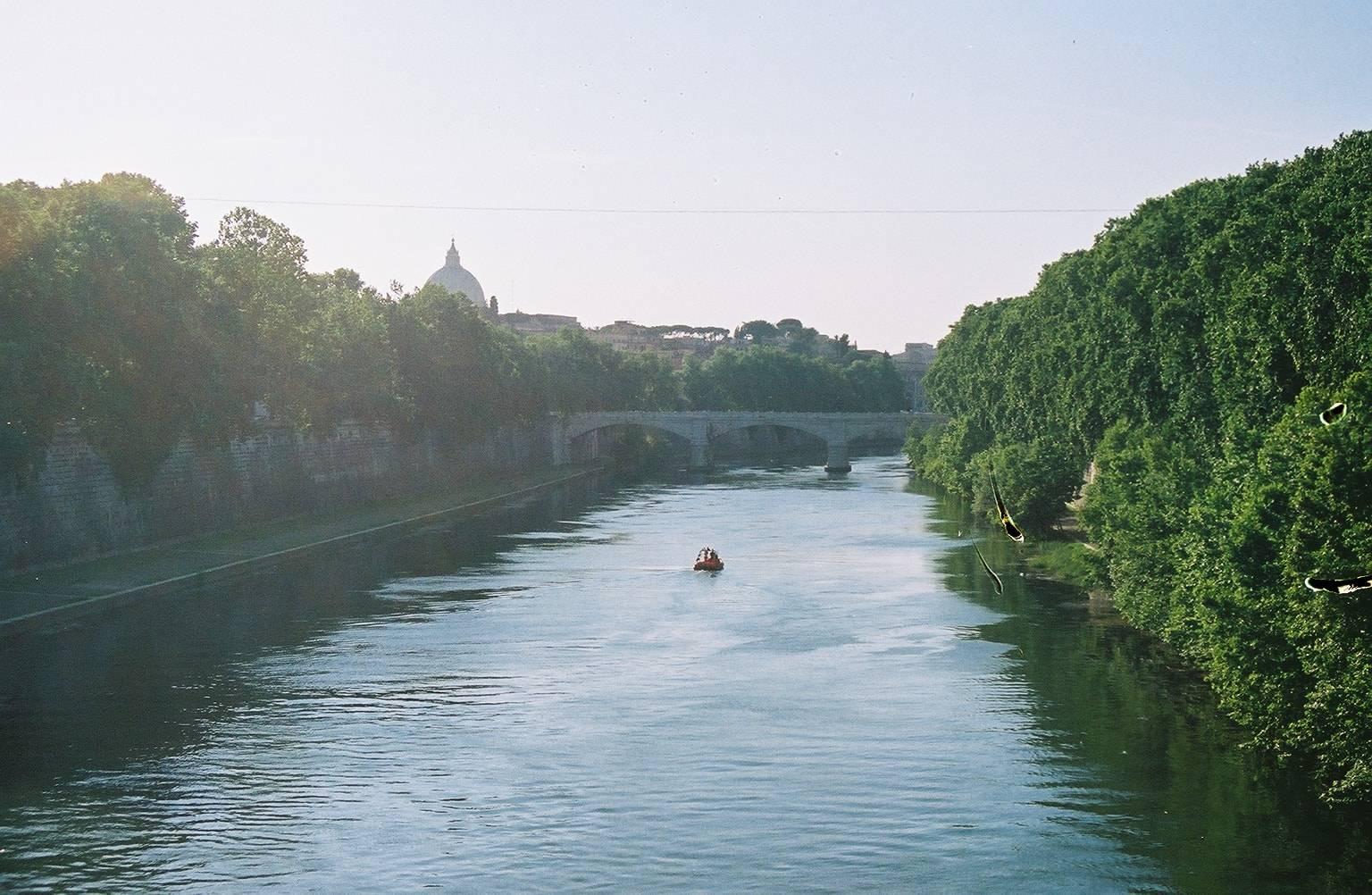 Roma, suicidio nel Tevere: mamma si getta nel fiume, sparite le due figlie