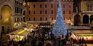 La movida in Italia e i suoi aperitivi nelle feste natalizie