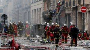 parigi esplosione italiani feriti