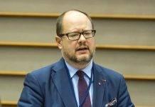 Polonia, accoltellato il Sindaco di Danzica: è grave