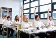 In Italia sarà vietato nelle scuole l'uso dei telefoni. Questa una proposta che parte dai leghisti ma che ha già suscitato diverse critiche