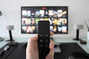 Stasera in tv, i programmi della prima serata di venerdì 18 gennaio