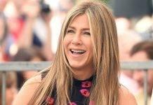 Tanta paura per Jennifer Aniston, la famosa attrice, con la compagna Courtney Cox è stata costretta ad un' atterraggio di emergenza in California con il suo Jet privato