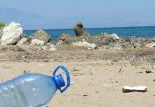 Plastica Sardegna Stintino Pelosa