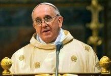 Napoli, Papa Francesco in città a giugno: l'annuncio del Cardinale Sepe