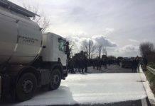 protesta latte pastori sardi indagati blocchi stradali