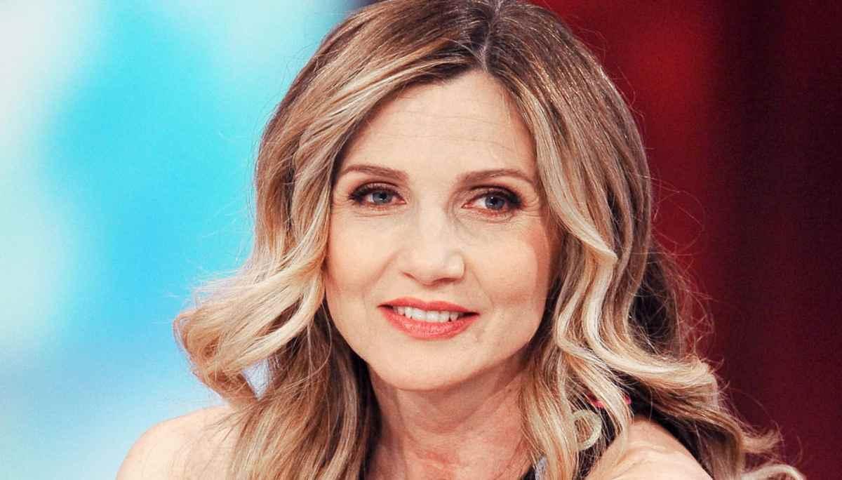 Lorella cuccarini gaffe sulle elezioni heather parisi la for Handy heater italia opinioni