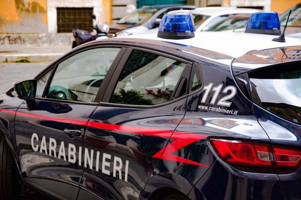 Villareggia, provincia di Torino: due operai travolti e uccisi da un'auto