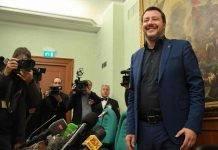 """Sea Watch, ok allo sbarco di 18 migranti, Salvini: """"Porti restano chiusi"""""""