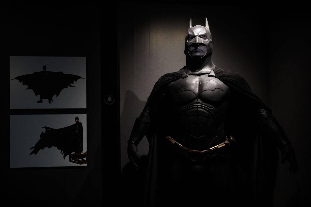 DC Comics, la denuncia al Valencia: logo simile a Batman
