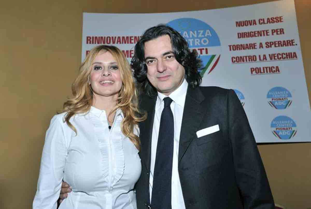 Angelo Maresca, chi è il marito di Debora Caprioglio: età e curiosità