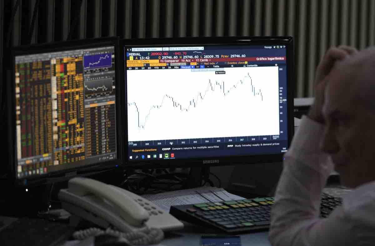 Spread in calo dopo S&P: differenziale protagonista