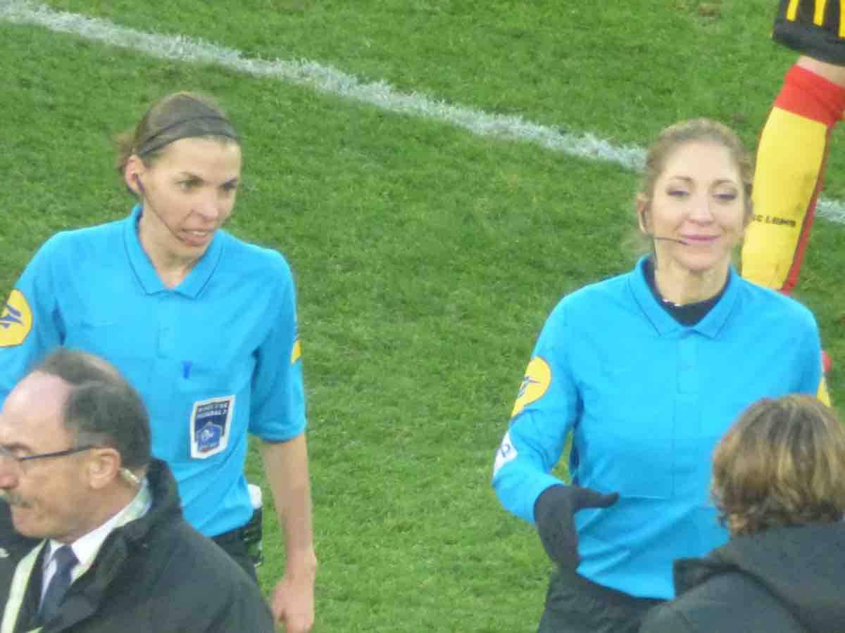 Stéphanie Frappart: chi è l'arbitro di Liverpool - Chelsea, Supercoppa UEFA