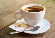 Newark, in manette un uomo che eiacula nel caffè del capo per diversi anni