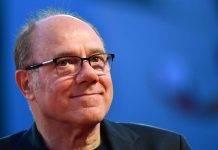 Iris, 'L'amore è eterno finché dura': trama e cast del film con Carlo Verdone