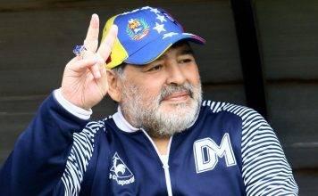 E' morto Diego Armando Maradona |  terribile lutto nel mondo del calcio