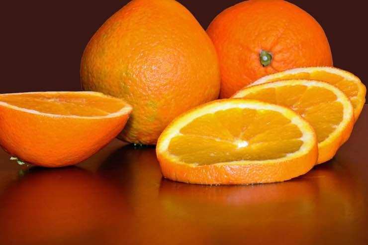 Le arance fanno bene o male? Pareri a confronto, ecco la veritàLe arance fanno bene o male? Pareri a confronto, ecco la verità