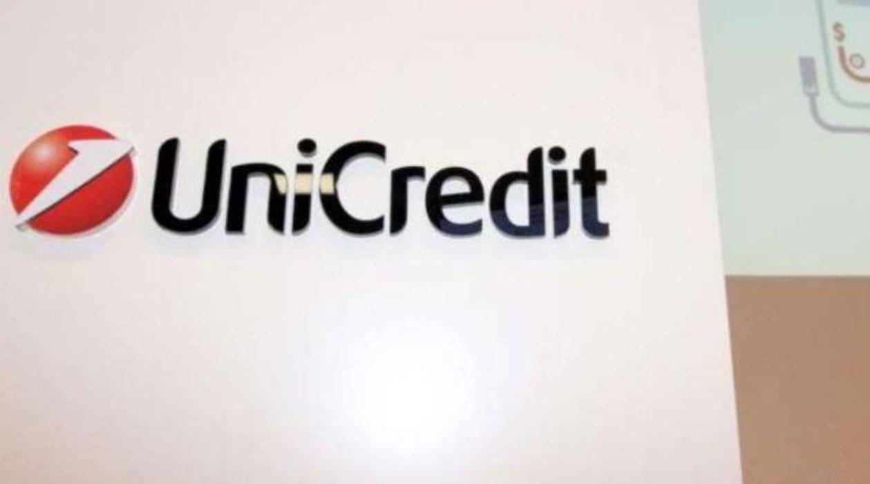UniCredit 2020/23: taglio di 8 mila dipendenti e chiusura di 500 filiali