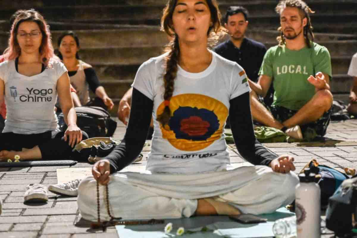 Cos'è lo Yoga? Ecco i motivi e i benefici per cominciare a praticarlo