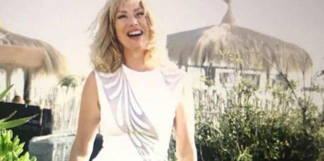 Nancy Brilli senza veli incanta il web - Foto