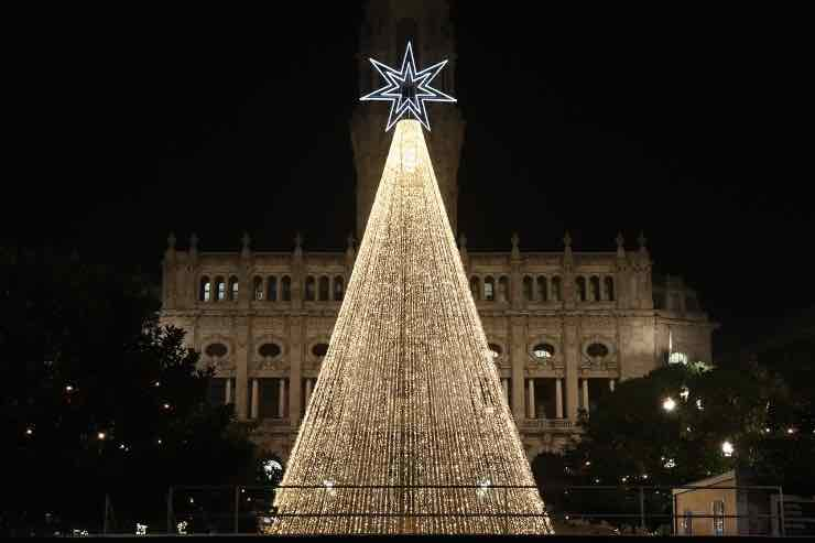 Natale, albero artificiale o naturale? Tutti i dettagli sulla scelta