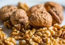 Le noci fanno bene al cuore e limitano il colesterolo: cosa dicono gli esperti