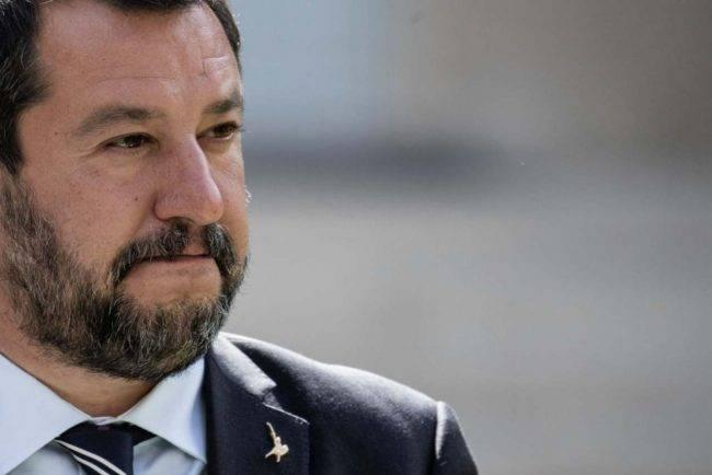 Il ministro Salvini minacciato di morte su Twitter
