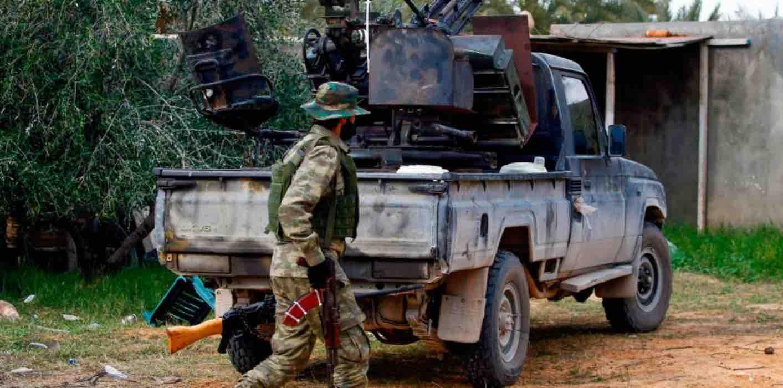 Libia, Haftar non firma la tregua: non c'è il cessate il fuoco