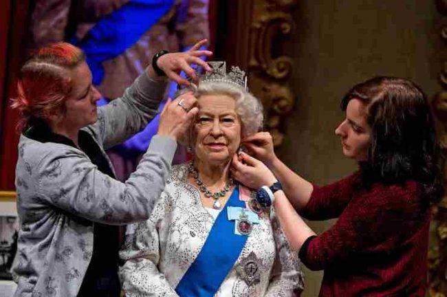 Harry e Meghan 'spariscono' dalla Famiglia reale del Madame Tussauds