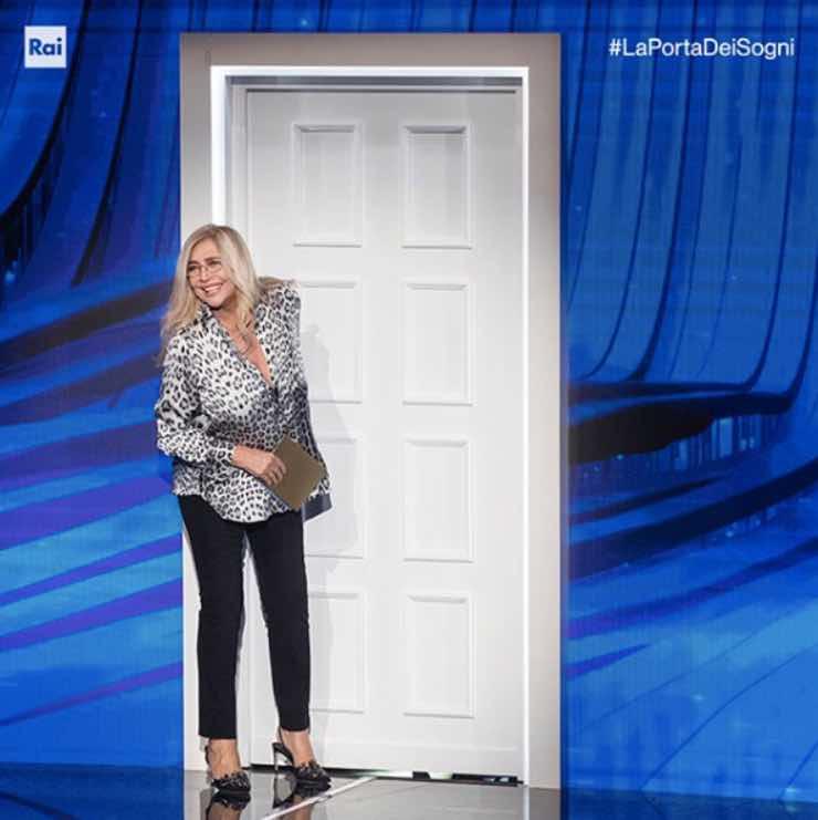 Mara Venier, chiude La porta dei sogni: incredibile voce sul suo futuro