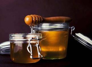 Miele, oro per la salute: consumato così aiuta a calmare la tosse