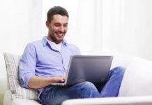 """Uomo fa causa a PornHub: """"Sono sordo, mettete i sottotitoli"""""""