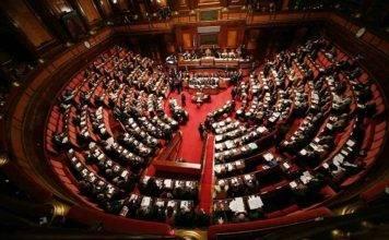 Conte alla Camera chiama all'adunata i suoi e attacca Italia Viva