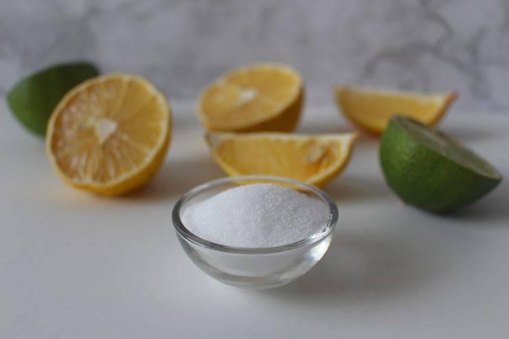 Mille usi del bicarbonato: utilizzato così elimina i cattivi odori