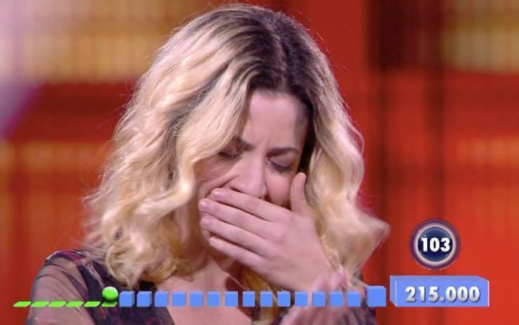 """Paolo Bonolis, che imbarazzo in studio: """"Pecorina"""" - VIDEO"""