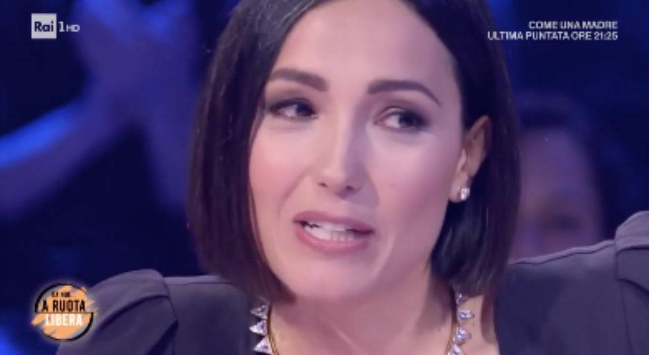 Caterina Balivo, occhi lucidi: vince la riservatezza e svela un segreto