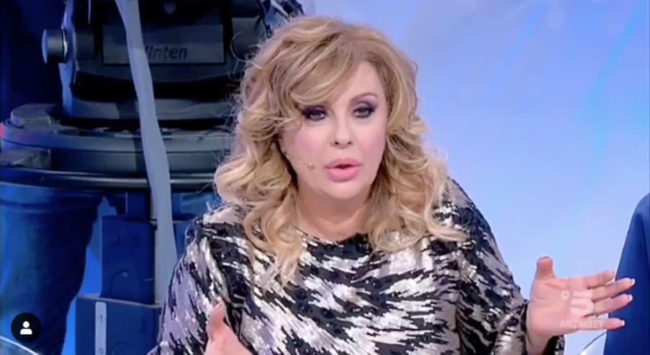 """Tina Cipollari, """"problema personale"""" e difficoltà con 'Uomini e donne'"""