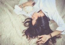 Insonnia, i rimedi naturali funzionano? Alcuni possono essere miracolosi