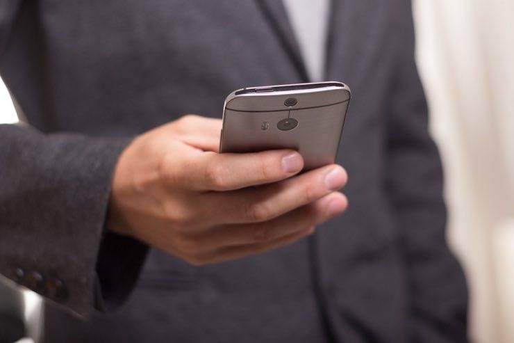 Truffe SMS, 'smishing': questo semplice metodo salverà il vostro denaro