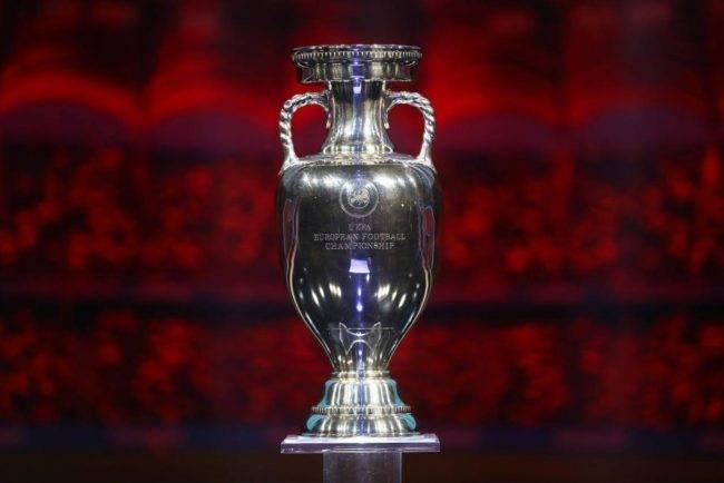 Europei di calcio 2020: ufficiale il rinvio di un anno