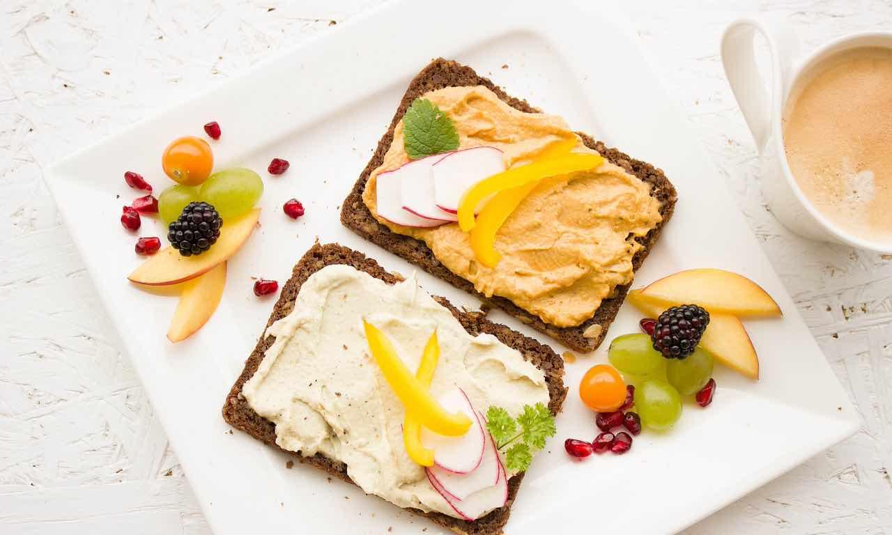 Come scegliere tra colazione dolce e salata? Ecco alcuni consigli e idee