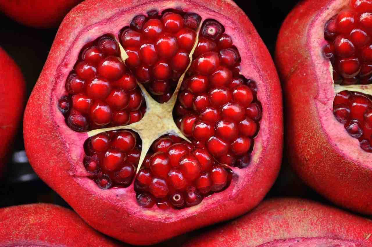 Melograno, il frutto del buon umore: ottimo contro l'ansia e non solo