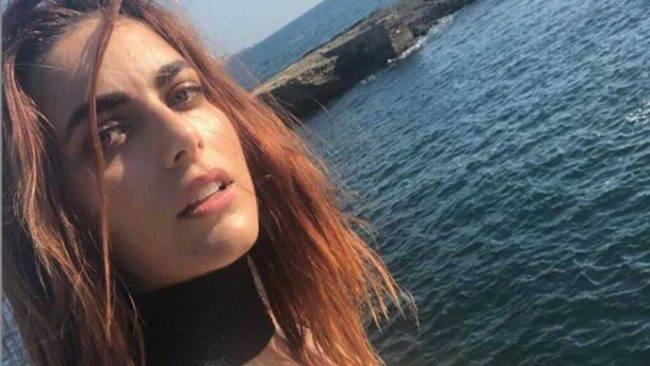 """Miriam Leone: selfie in intimo per dire: """"Io resto a casa"""""""