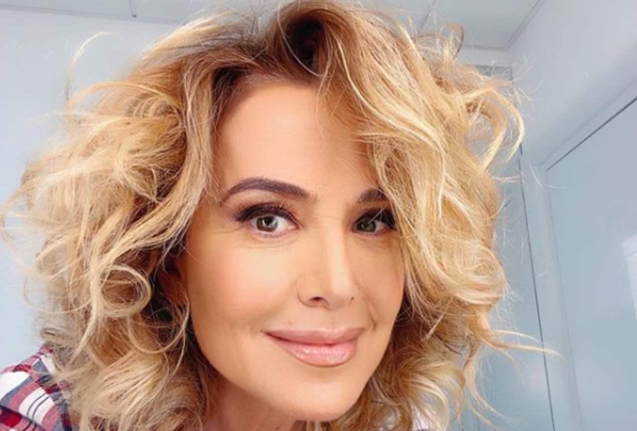 Barbara D'Urso al settimo cielo in diretta: