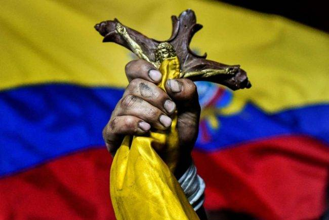 Coronavirus, in Ecuador cadaveri abbandonati per strada