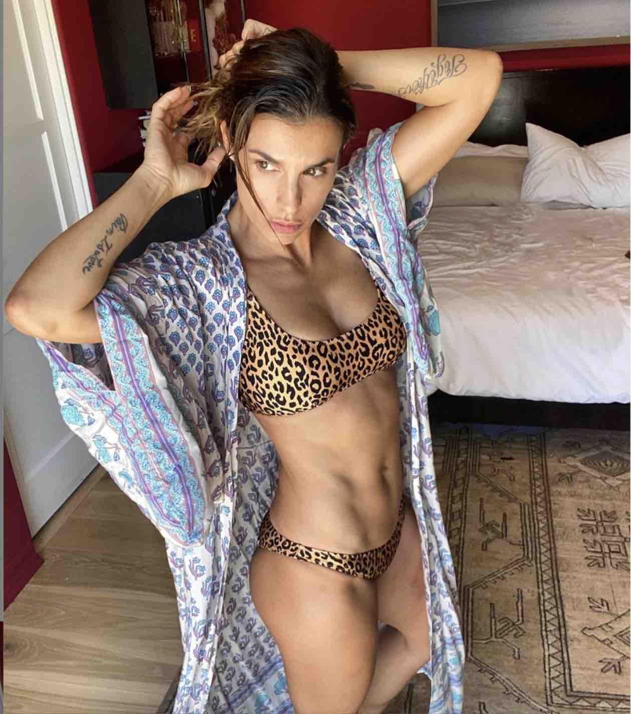 Elisabetta Canalis ritocco foto