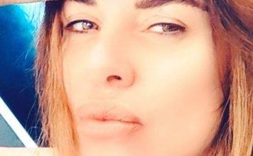 """Alba Parietti seduce i fans: """"sei molto più bella così senza"""