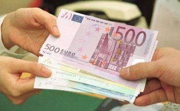 """Trova 3mila euro e li riporta al legittimo proprietario: """"Era giusto cosi"""""""