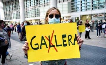 Protesta senza partiti contro Gallera e Fontana |  ma il Pd c'era