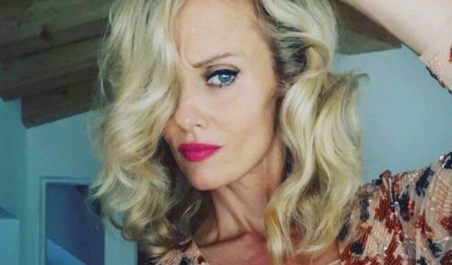 Justine Mattera, fan senza tregua: nuova foto sexy ma manca qualcosa